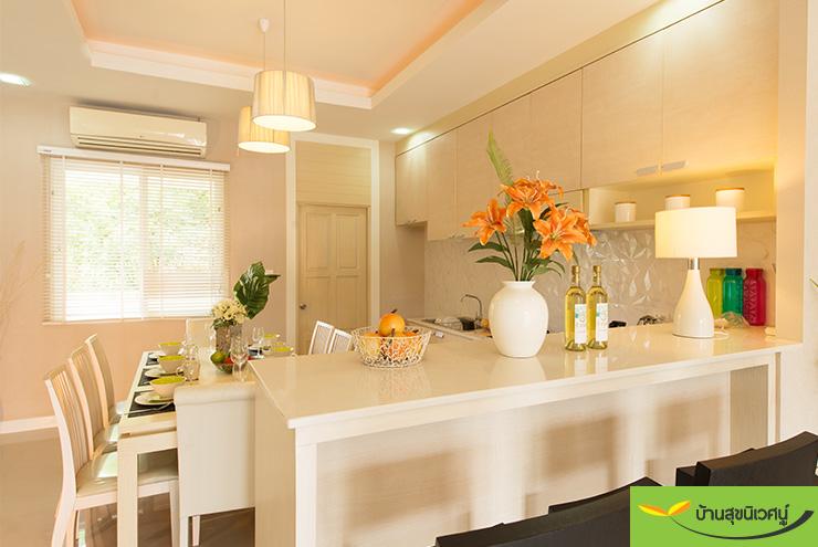บรรยากาศห้องอาหาร บ้านเดี่ยว เลอบีช โฮม (Le Beach Home) บางเสร่ สัตหีบ ชลบุรี